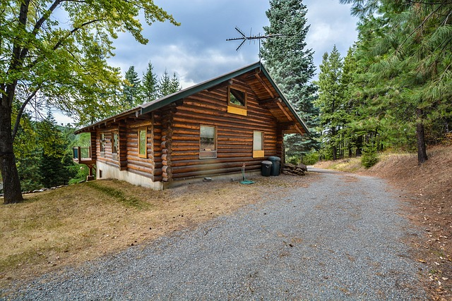 Building on a budget living your log cabin life at the for Building a cottage on a budget
