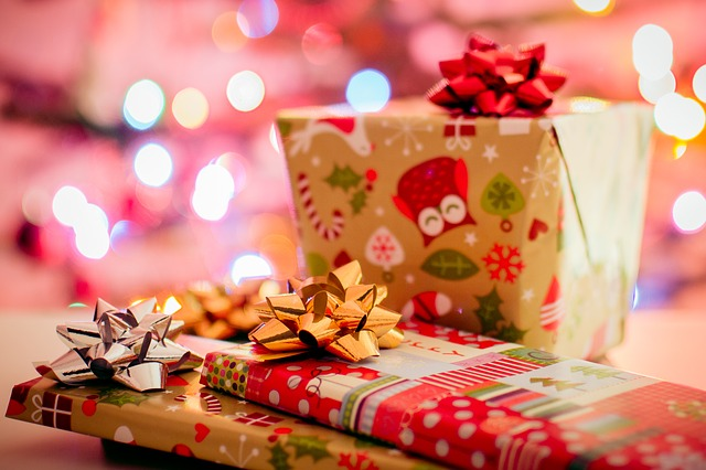 How to Pile Presents Under the Tree for Less – The Frugal Farmer